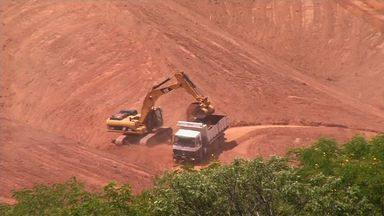 Obras de transposição do Rio São Francisco são retomadas no Cariri - Transposição dá esperança para agricultores e comerciantes.