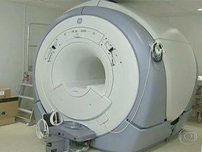 Aparelho de ressonância magnética está parado em hospital universitário do Ceará - No Ceará, um aparelho de ressonância magnética está pronto para ser usado em um hospital universitário. Mas ninguém conseguiu fazer o exame até agora.