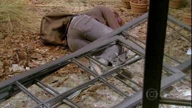 Malhação - Capítulo de segunda-feira, dia 04/03/2013, na íntegra - Tadinha da Lia! Roqueira sofre acidente e fica desacordada