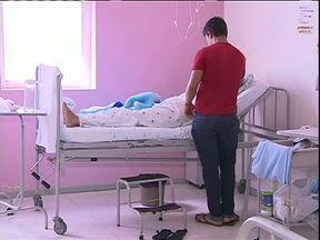 Trabalho no Hospital do Bairro Novo é retomado - Prefeitura assumiu a administração do centro médico. A previsão é que até segunda-feira o atendimento seja normalizado.