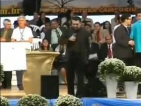 Direto de Brasília: Pastor e Deputado Federal aparece em vídeo pedindo senha de cartão - Direto de Brasília: Pastor e Deputado federal aparece em vídeo pedindo senha de cartão