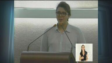 Filho de Chorão recebe homenagem ao pai na Câmara de Santos - Alexandre pediu um minuto de aplausos para o pai