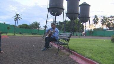 Confira a homenagem que o Amazônia TV fez a todas as mulheres de Rondônia - O Artista regional, Zezinho Maranhão canta a música, Porto Rondoniana, em homengem ao Dia Internacional da Mulher.