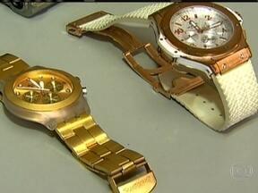 Polícia identifica suspeito de matar empresário em roubo de relógio em SP - O relógio da vítima é avaliado em R$ 170 mil. Uma mulher foi presa com dois relógios de luxo, mas pode pagar fiança e sair da cadeia.