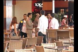 Bombeiros liberam praça de alimentação de shopping - Lcal passou por vistoria após incêndio desta quinta-feira (7).