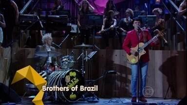 Brothers of Brazil se apresentam no programa Altas Horas - Supla e João Suplicy tocam a música 'On my way'