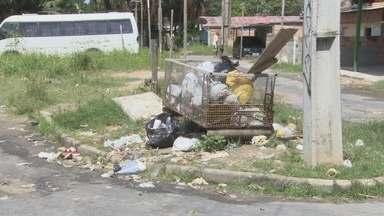 Moradores do Monte das Oliveiras reclamam com a falta de assistência da Prefeitura - Segundo os moradores falta água, luz e saneamento básico no bairro.