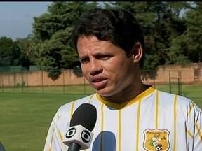 Veterano Iranildo é a arma do Jacaré para segundo jogo da decisão contra o Brasília - Meia contratado recentemente faz sua quinta passagem pelo clube e deverá estar em campo na segunda partida da decisão do primeiro turno.
