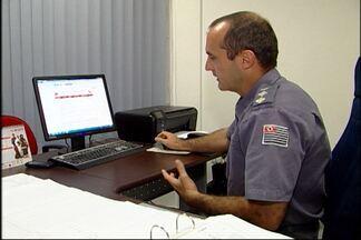 Pedidos de vistoria para os bombeiros podem ser feitos pela internet - O novo sistema de pedidos de vistoria para os bombeiros, pela internet, já está funcionamento. O Corpo de Bombeiros de Mogi das Cruzes tem uma sala para guardar os autos de vistoria.
