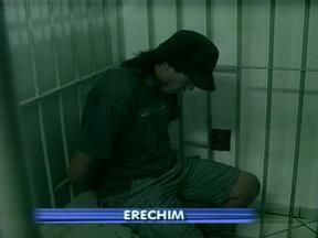 Suspeito de praticar latrocínio é preso em Erechim - Ele foi preso na casa onde morava.