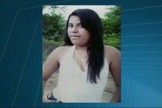 Jovem de 18 anos é morta com golpes de faca em praça de Patos, Paraíba - Polícia ainda não prendeu nenhum suspeito.