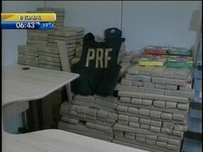 Polícia Federal apreende mais de meia tonelada de drogas em caminhonete, em Mafra - Polícia Federal apreende mais de meia tonelada de drogas em caminhonete, em Mafra