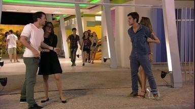Malhação - Capítulo de quarta-feira, dia 20/03, na íntegra - Bruno e Sal se enfrentam novamente na frente do Quadrante.