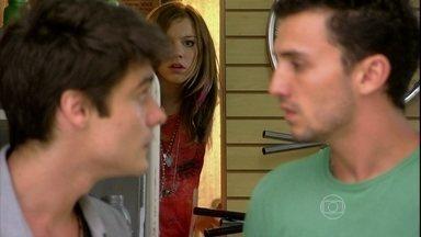 Malhação - Capítulo de sexta-feira, dia 22/03/2013, na íntegra - Lia escuta papo barra pesada de Vitor e Sal, e descobre que a culpa é do #VidaLoka