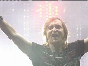 David Guetta é confirmado no Rock in Rio - O francês David Guetta vai se apresentar na abertura do festival, no dia 13 de setembro e subirá ao palco principal antes da cantora Beyoncé. Guetta é um dos djs mais populares do mundo.