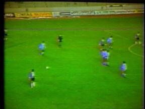 Bolívar 1 x 2 Grêmio em 1983 (2) - Confira o lance do jogo da Libertadores.