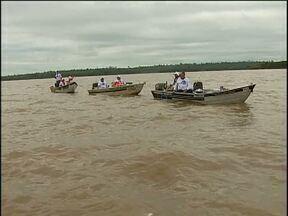 Pescadores participam da Festa da Corvina, no Lago de Itaipu - O lago não estava muito bom para peixe, mas os participantes mantiveram o bom humor e estavam cheios de histórias para contar.