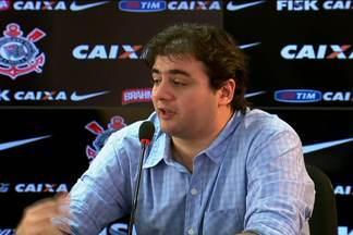 Lesão de Renato Augusto preocupa departamento médico do Corinthians - Jogador fica fora, no mínimo, por 20 dias.