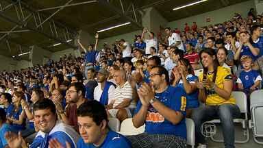 Cruzeirenses receberam tratamento 'VIP' no Mineirão - Com a solução para os problemas na venda e distribuição de ingressos, torcedores do Cruzeiro aproveitaram a vitória do time sobre a Caldense, pelo Campeonato Mineiro.