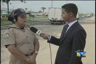 PRF realiza ações na BR-135 durante o feriadão - O repórter Douglas Pinto mostrou o movimento na BR-135.