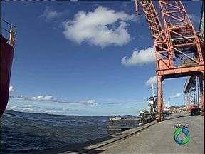 Começam as obras de dragagem do Porto de Paranaguá - O Ibama aprovou ontem o início das obras que devem aprofundar em mais 16 metros o canal.