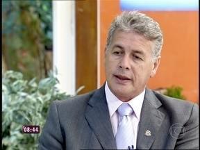 Mario Avelino tira dúvidas dos telespectadores sobre a PEC das Domésticas - Especialista fala sobre contrato de experiência e FGTS
