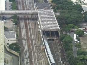 Falha provoca velocidade reduzida na Linha 3 do metrô - O tempo de parada também é maior, graças a uma interferência na via. No momento o movimento é tranquilo na Linha 3 Vermelha.