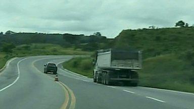Polícia alerta para alto índice de acidentes em trecho da BR-265 - Trecho é entre São João Del Rei e Barbacena.