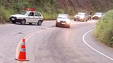 Três policiais federais rodoviários são presos no Leste de Minas Gerais - Eles são suspeitos de corrupção por cobrança de propina.