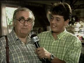 Relembre Bruno De Luca na comemoração dos 15 anos do Vídeo Show - Apresentador entrevistou elenco, que mandou parabéns para o programa