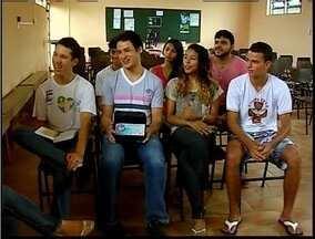 Jovens de Fabriciano já se preparam para a Jornda Mundial da Juventude - Esta é a primeira vez que a Jornada e realizada no Brasil. Estratégias são utilizadas para ajudar os fiéis a participarem dos dias voltados pela fé.