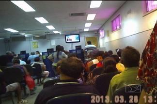 Demora no atendimento nos bancos é alvo de reclamação dos clientes - O tempo que o consumidor perde nas filas nas agências bancárias de São Luís, à espera de atendimento, passa de três horas.