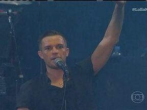 Vocalista do The Killers conversa com o Jornal da Globo - Ao todo, 52 mil pessoas assistiram aos shows no primeiro dia do Lollapalooza, em São Paulo. Uma multidão esperou até o fim para ver a banda americana The Killers, que antes do show conversou com a repórter Renata Ribeiro.