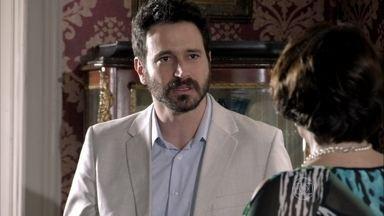 Celso não quer ir ao casamento de Aída - Arturo e Isaurinha tentam convencê-lo a ir. Amanda promete contar segredo de Carlos caso ele realmente saia de casa após o casamento da irmã