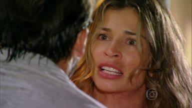 Flor do Caribe - capítulo de terça-feira, dia 09/04/2013, na íntegra - Ester manda Cassiano ir embora
