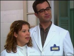 O Profeta - Capítulo de sexta-feira, dia 12/04/2013, na íntegra - Arnaldo e Carola se disfarçam de médicos para investigar as maternidades