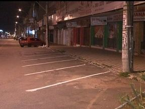 Dois sequestros-relâmpago são registrados em Taguatinga (DF) - Na avenida Comercial Norte, um homem foi levado por bandidos e os suspeitos seriam adolescentes. A vítima foi rendida por dois rapazes, um deles armado e foi ameaçado de morte.