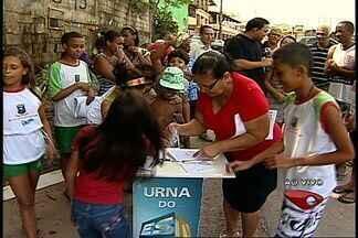 Moradores de bairro em Cariacica, ES, falam sobre o dia do amigo - Urna do ESTV esteve no bairro Alto Boa Vista.