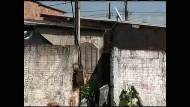 Briga entre vizinhos termina em morte em Resende, no RJ - Segundo a polícia, a discussão começou depois que um cão da raça pit bull atacou um gato.