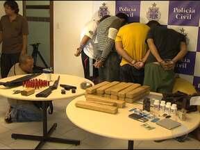 Jovens de classe média são presos suspeitos de tráfico de drogas - De acordo com as investigações, que começaram há quatro meses, os jovens vendiam as substâncias em festas em bairros de classe média de Salvador.