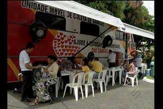 Caiu o número de doações no Hemopa - a Fundação Centro de Hemoterapia do Pará - Para atrair doadores, a unidade móvel da fundação, hoje, funcionou na avenida Almirante Barroso.