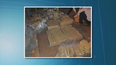 PF apreende meia tonelada de maconha na Zona Sul do Recife - Segundo investigação, droga vinha do Paraguai. Quatro pessoas foram detidas.