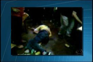 Polícia investiga se seguranças usaram arma de choque em agressão em clube - Devem prestar depoimento, nesta sexta-feira (19), os representantes da empresa de segurança e os profissionais que estavam no clube onde um jovem foi agredido, em Campo Grande.