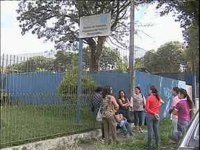 Famílias estão preocupadas com o atendimento no CAPS do Pinheirinho - No começo do ano, houve atraso no repasse de verbas da prefeitura. Os centro atendem dependentes de drogas e pacientes com transtornos psíquicos.