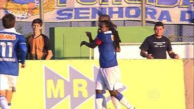 Cruzeiro vence o Tupi em Juiz de Fora - Time de Belo Horizonte é líder no Campeonato Mineiro.