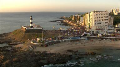 Você sabe como o turista vê a Bahia? - Timbó conversa com turistas, turismólogos e profissionais da área que falam sobre o assunto