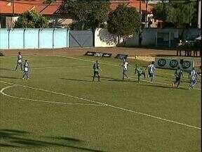 Arapongas bate lanterna e escapa do rebaixamento - Vitória sobre Nacional, em Rolândia, garante Arapa na elite do futebol paranaense