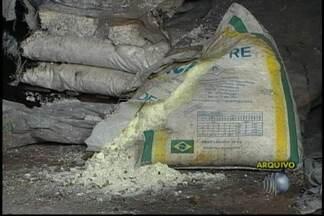 Vigilância fiscaliza venda de produtos com amianto, em Mogi - O amianto foi proibido por ser considerado um produto tóxico. A Vigilância Sanitária fiscaliza estabelecimentos em Mogi das Cruzes para confirmar se os proprietários estão respeitando a proibição.
