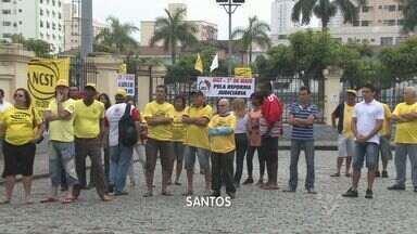 Dia do Trabalho é marcado por protestos sindicais na Baixada Santista - O Dia do Trabalho, comemorado nesta quarta-feira (1) foi marcado por protestos sindicais na Baixada Santista.
