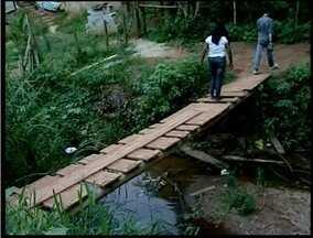 Moradores de bairros em Teófilo Otoni enfrentam sérios problemas - Um deles é a falta de asfaltamento.
